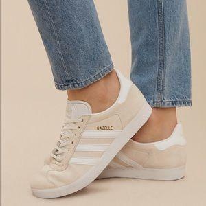 🦋 Adidas Gazelle Sneakers 🦋